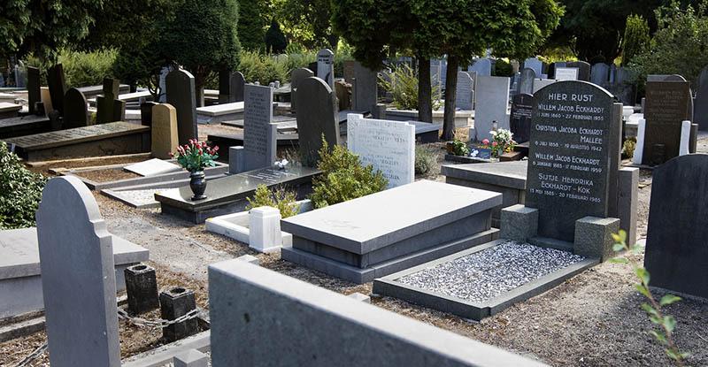 begraven met een grafmonument
